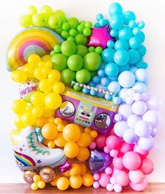 """A brilliant summery retro vibe balloon wa… – Balloon 🎈 Decoration Balloon Backdrop, Balloon Wall, Balloon Garland, Balloon Decorations, Birthday Decorations, Balloon Ideas, Party Fiesta, 90s Party, Party Time"