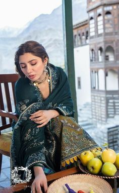 Pakistani Bridal Dresses, Pakistani Dress Design, Pakistani Suits, Wedding Dresses, Fashion Pants, Fashion Outfits, Mahira Khan, Pakistani Actress, Indian Attire