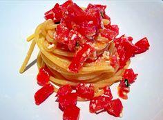 Spaghettoni Benedetto Cavalieri con Pomodoro Crudo e Ricotta Salata Le Ricette di Nonna Gilda