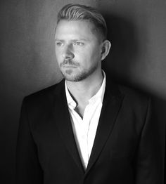 Wayne Goss...awesome makeup artist.  His videos are full of great tips