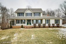 4515 Woodedge Dr, Hampstead, MD 21074