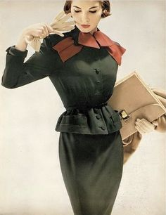 Cherry Nelms in moss green suit with red grosgrain bow of imported wool by Lilli Ann, photo by Richard Avedon, Harper's Bazaar, August 1952 White Fashion, Colorful Fashion, Classy Fashion, Fashion Images, Fashion Models, Vintage Dresses, Vintage Outfits, 50s Outfits, Vintage Fashion Photography
