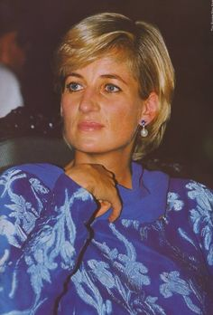 May 23, 1997: Diana, Princess of Wales at a cancer hospital for the launching of a fund-raising campaign for Imran Khan's charity in Lahore, Pakistan.