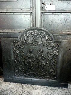 Antique cast iron fire back c.1880