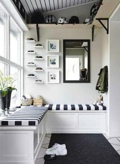 Black and White - Mudroom Ideas