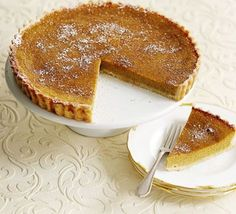 Fill a sweet shortcrust pastry tart case with lightly spiced squash to make a traditional American treat