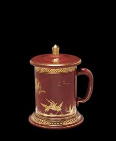 Covered Hyalith Mug by Glassworks of the Count of Buquoy, about Corning Museum Of Glass, Glass Museum, Gold Glass, Glass Art, Glass Collection, Gold Leaf, Art Google, Czech Glass, Sculptures