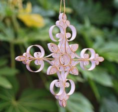 quilled snowflake- lengthen for cross