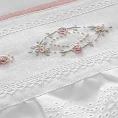 Hand Embroidery Patterns Flowers, Silk Ribbon Embroidery, Embroidery Fashion, Hand Embroidery Designs, Cross Stitch Embroidery, Brazilian Embroidery Stitches, Wedding Embroidery, Crochet Flower Tutorial, Heirloom Sewing