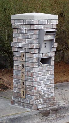 Awesome 36 Cool Mailbox Design Ideas That Will Give Your Guests A Fantastic First Impression. Stone Mailbox, New Mailbox, Modern Mailbox, Mailbox Ideas, Vintage Mailbox, Mailbox Post, Porch Ideas, Patio Ideas, Backyard Ideas