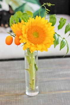 Cheery, sunny yellow  Outdoor Summer Wedding Centerpieces