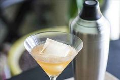 Kick your cocktails up a notch with ~smoked ice~.
