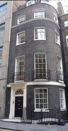 Robert Adam House, Adam Street, developed by Robert Adam as part of the Adelphi Development, 1774. (curry15, via Flickr).