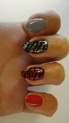 #semilac#nail#nail art#red#black#grey#tiger#holo