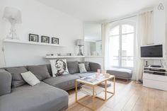 ☆ Design apt, Eiffel tower area ☆ - Get $25 credit with Airbnb if you sign up with this link http://www.airbnb.com/c/groberts22