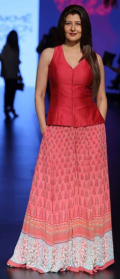 Sangeeta Bijlani looked beautiful as she walked the ramp in a red top and a skirt at the LFW 2016 event. Source: Vogue