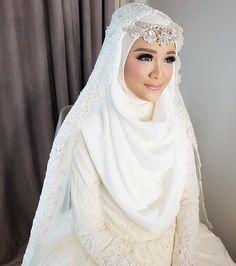 Muslim Wedding Gown, Hijabi Wedding, Kebaya Wedding, Muslimah Wedding Dress, Hijab Style Dress, Muslim Wedding Dresses, Hijab Bride, Muslim Brides, Wedding Bride