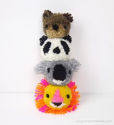 Sewing Animals Have fun with pom-poms by turning them into animals with this easy tutorial. - Have fun with pom-poms by turning them into animals with this easy tutorial. Kids Crafts, Animal Crafts For Kids, Diy And Crafts Sewing, Crafts For Teens, Hobbies And Crafts, Crafts To Sell, Diy For Kids, Arts And Crafts, Pom Pom Crafts