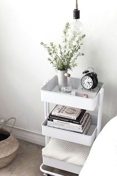61 SIMPLY AMAZING Small Space HACKS for your TINY BEDROOM! - Simple Life of a Lady Organizing a tiny-spaced bedroom doesn't have to be that hard. Here are small bedroom ideas that you can try to make a haven out of your tiny space! Decor Room, Diy Bedroom Decor, Ikea Bedroom Design, Ikea Small Bedroom, Small Bedroom Storage, Bedroom Table, Ikea Hack Bedroom, Ikea Bedroom Furniture, Bedroom Designs