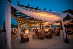 We love this outdoor area at Stratton Hall in Chattanooga that we had to show you another image from an evening wedding reception. To connect with this Chattanooga wedding venue, click the linked image above. Photo credit: Innamorata Photography