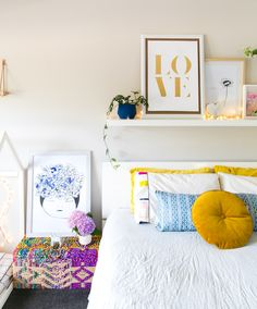 Amongst numerous styles of bed room decoration, modern styles have drawn huge attention. They typically come with sleek, simple, yet clean impression. Budget Bedroom, Cozy Bedroom, Bedroom Decor, Bedroom Ideas, Bedroom Inspiration, Teen Bedroom, Bedroom Colors, Dream Bedroom, Color Inspiration