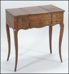 Walnut Coiffeuse : Lot 132-1126 #walnut #antique