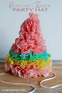 HOW TO MAKE PARTY HATS using CUPCAKE LINERS #cupcakes #partyhats #jaderbomb