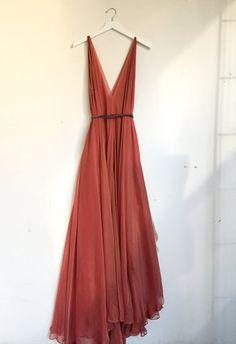 Autumn Dress — Leanne Marshall - Kleider Source by janinamibi - Bridesmaid Dresses, Prom Dresses, Sparkly Dresses, Denim Dresses, Pageant Gowns, Club Dresses, Cheap Dresses, Wedding Dresses, Bridesmaids
