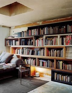 so Rick Owens's home is BEYOND! The fashion designers paris home/ office is furnished with his own pieces, yes Rick Owens has a home line, and is edgy, dark, and everything we hoped it… Rick Owens, Cool Bookshelves, Bookcases, Bookshelf Wall, Bookshelf Ideas, Shelving Ideas, Wooden Wall Shelves, Floating Shelves, Shelves In Bedroom