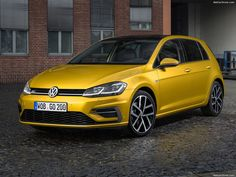 Volkswagen reveals revamped 'digitalised' Golf — New Car Net Vw Camper, 2015 Volkswagen Gti, Beetles Volkswagen, Volkswagen Golf R, Volkswagen Models, Golf Gti Sport, Sport Cars, Golf 1, Porsche 356