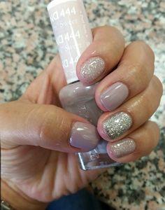 Love my nails #Daisynailpolish#Gel#frozty#morenatural