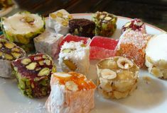 How to cook homemade Turkish delight: tender . Russian Recipes, Turkish Recipes, Unique Recipes, Sweet Recipes, Homemade Turkish Delight, Turkish Sweets, Japanese Snacks, Saveur, Candy Recipes