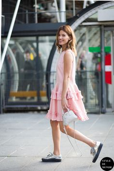 mini bag with pastel outfit and oxfords  | via TrendForTrend.com