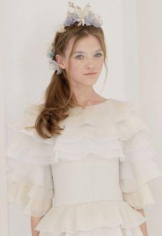 Vlada Roslyakova @ Chanel Haute Couture S/S 2006, Paris #viaGlamour