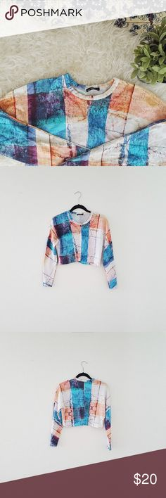 ZARA color block crop long sleeve top Please let me know if you have a question or want to make an offer 💕💕💕 Zara Tops Crop Tops