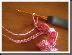 お花みたいな☆フリルたっぷりのヘアゴム♪の作り方 手順|10|編み物|編み物・手芸・ソーイング|ハンドメイド、手作り作品の作り方ならアトリエ Crochet Necklace, Handmade, Crochet Collar, Craft, Arm Work, Hand Made