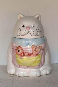collectible cat cookie jar