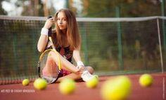 Tennis Girl by Evgeny Obraztsov Tennis Senior Pictures, Tennis Photos, Country Senior Pictures, Senior Pictures Sports, Senior Photos, Senior Portraits, Senior Posing, Senior Session, Poses Photo