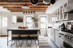 Designer, Emma Beryl transformed this home into a stunning farmhouse-chic space in New York's prestigious Park Slope neighborhood. Farmhouse Homes, Farmhouse Chic, Farmhouse Kitchens, Rustic Kitchen, Home Design, Modern Design, Design Ideas, 1800s Home, Kitchen Set Up