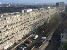 i stayed there for a while. It's being torn down this year. Council Estate, Hans Peter, Tower Block, Tear Down, South London, Concrete Jungle, Brutalist, London England, Recherche Google