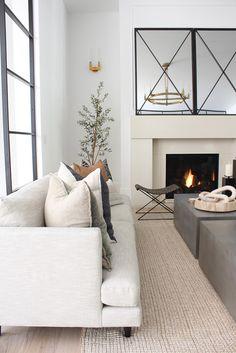 Home Living Room, Living Room Designs, Living Room Decor, Living Spaces, Condo Living, Layout, Autumn Home, Home Decor Inspiration, Decor Ideas