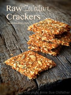 Raw Za'atar Crackers - There really isn't anything better than making your own crackers. You can tailor them exactly to your liking and control the quality of ingredients that go in to them.