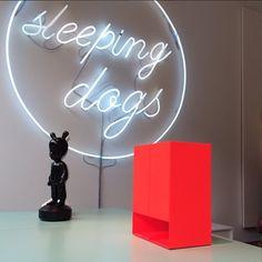 sleeping dogs showroom hamburg