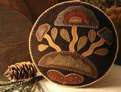 Wooly Box with stylized flowers www.rebekahlsmith.com