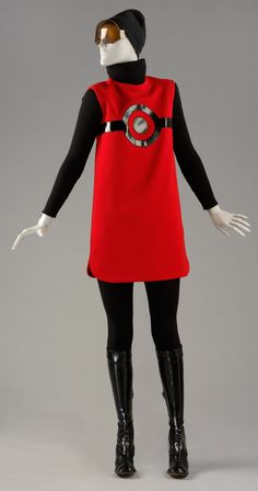 Tunic and Sweater / Wool jersey and Knitt wool / Pierre Cardin 1967 / Victoria and Albert Museum London