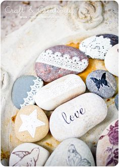 DIY - Decorated Pebbles by Craft & Creativity