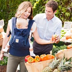100% Oeko-Tex certified Organic cotton, the Ergobaby Blue Organic Baby Carrier blends eco-consciousness with quality and safety. Get this award-winning baby carrier today