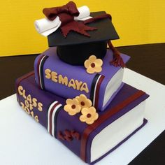 Pin for Later: 15 Sweet Ways to Celebrate Your High School Graduate Hit the Books A stack of books gives tiered cakes a graduation twist.  Source: Instagram user pedrothecakedon
