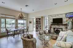 Breakfast and Sitting Room - Memorial Villages Houston TX Real Estate - 2210 South Piney Point Rd
