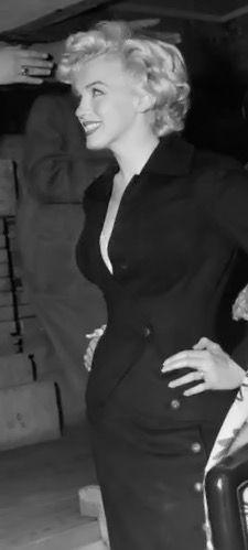Marilyn Monroe Artwork, Marilyn Monroe Clothes, Estilo Marilyn Monroe, Cinema Tv, Hollywood Glamour, Vintage Hollywood, Norma Jeane, Most Beautiful Women, Bella